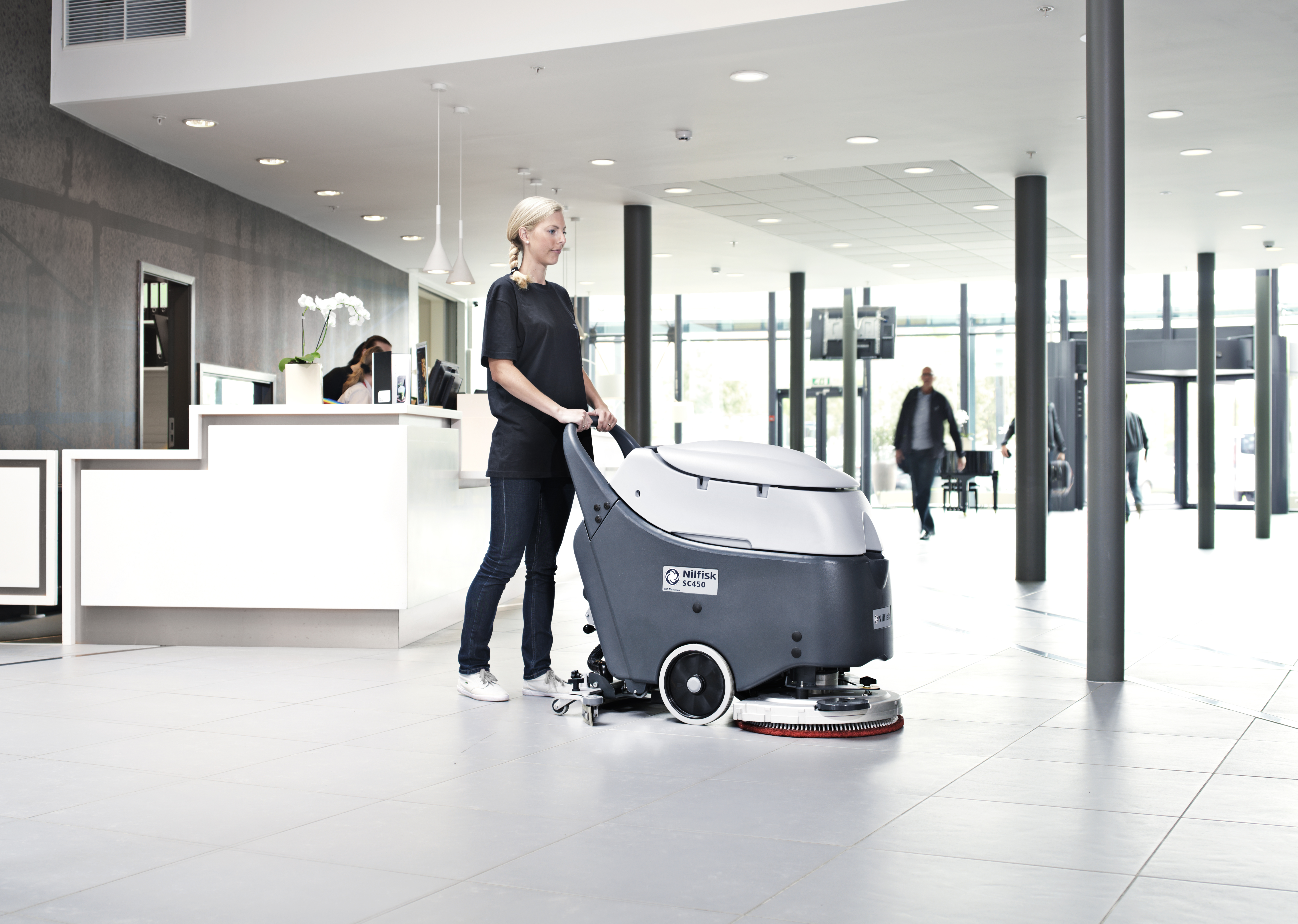 Cm scrubber dryers for What do hotels use to clean bathrooms